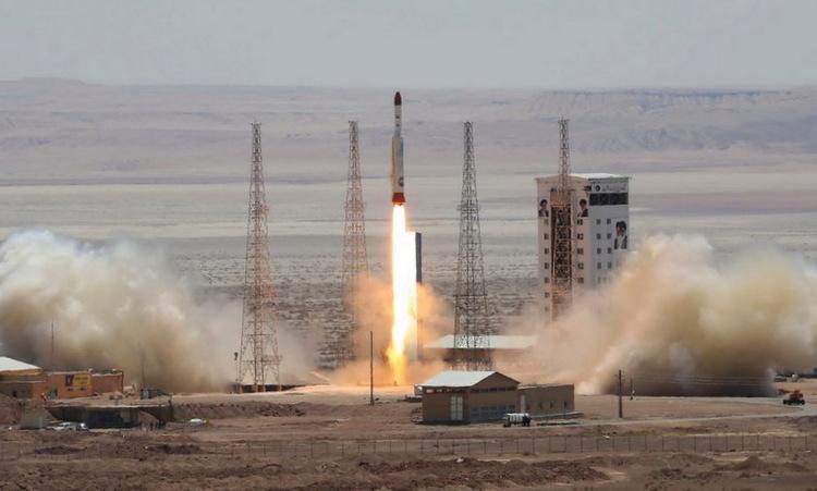 Tên lửa đẩy Simorgh rời bệ phóng hồi tháng 7/2017. Ảnh: Tasnim.