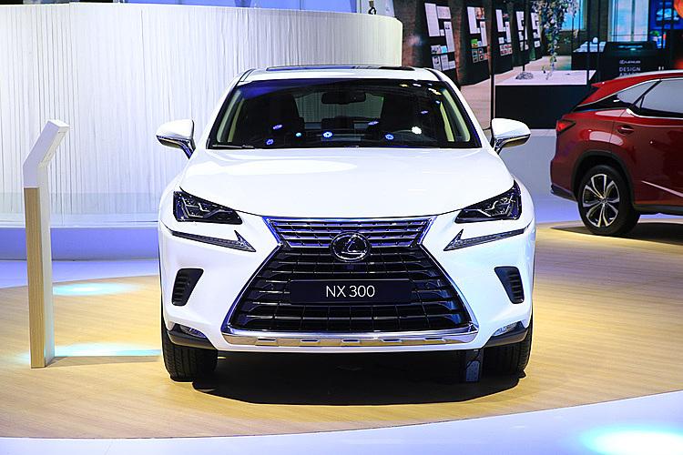 Lexus NX300 2020 tại triển lãm ôtô 2019. Ảnh: Phương Mai
