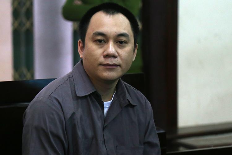 Tài xế Lê Ngọc Hoàng tại phiên sơ thẩm ngày 13/2. Ảnh: Phạm Dự.