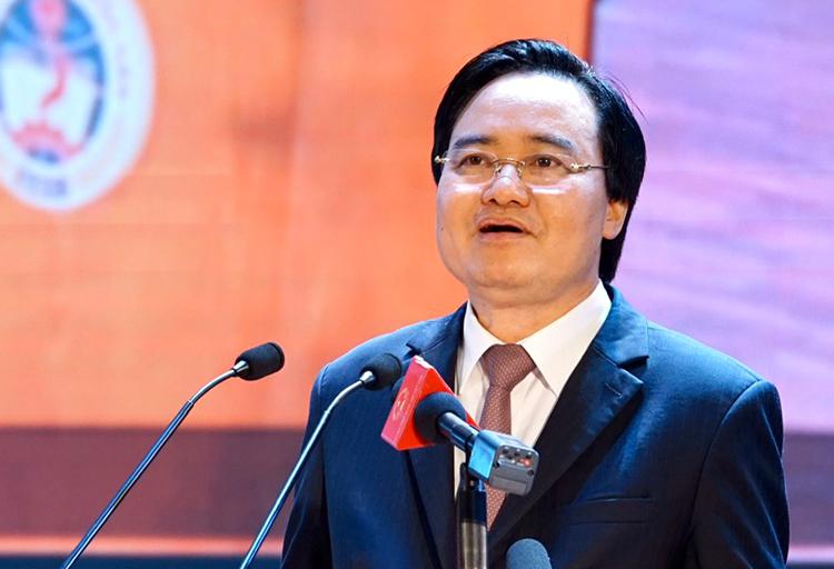 Bộ trưởng Phùng Xuân Nhạ tại điểm cầu Hà Nội. Ảnh: Bộ Giáo dục và Đào tạo.