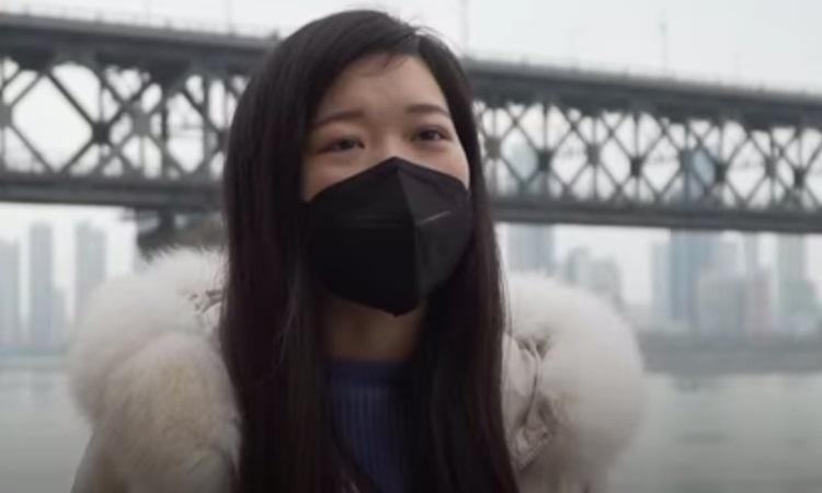 Y tá Vũ Hán tự chữa viêm phổi trong 11 ngày - ảnh 1