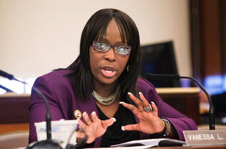 Hiện, Vanessa Gibson vẫn là Ủy viên Hội đồng thành phố New York. Ảnh: Ruth Fremson/The New York Times.