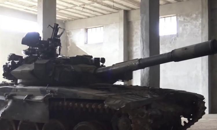 Chiếc T-90A được phiến quân Syria sử dụng trong trận đánh hôm 16/2. Ảnh: Sputnik.