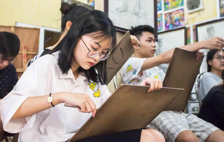 Anh Thư ở lớp vẽ tại Hà Nội. Ảnh: Nhân vật cung cấp.
