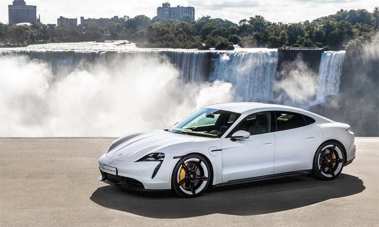 Taycan - mẫu xe thể thao chạy điện có giá từ 104.000 USD tại Mỹ. Ảnh: Porsche