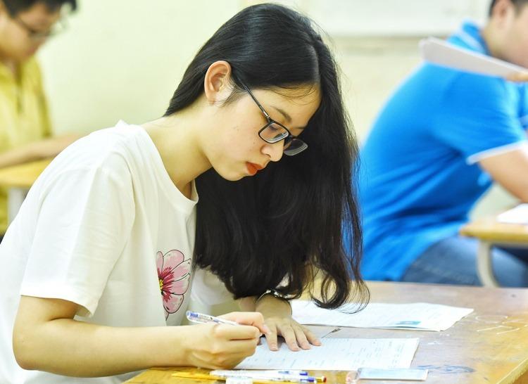 Thí sinh dự thi THPT quốc gia 2019 tại Hà Nội. Ảnh: Giang Huy.
