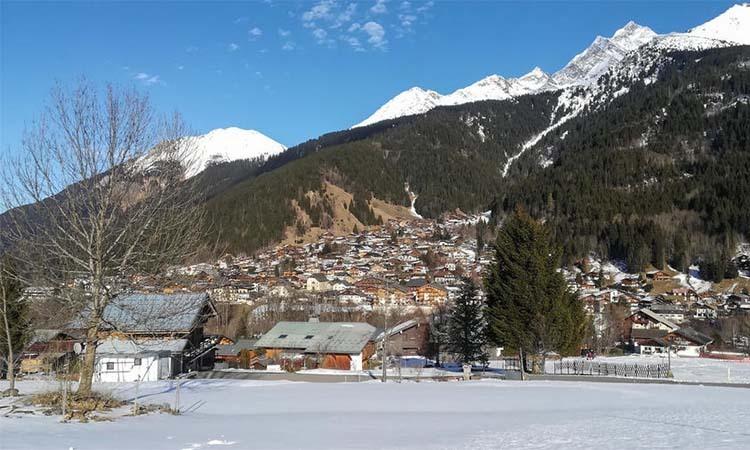 Khu nghỉ dưỡng trượt tuyết Les Contamines-Montjoie ở đông nam nước Pháp. Ảnh: AFP.