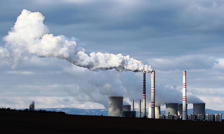 Sản lượng của các nhà máy điện than giảm mạnh do dịch Covid-19. Ảnh: Daily Tend.