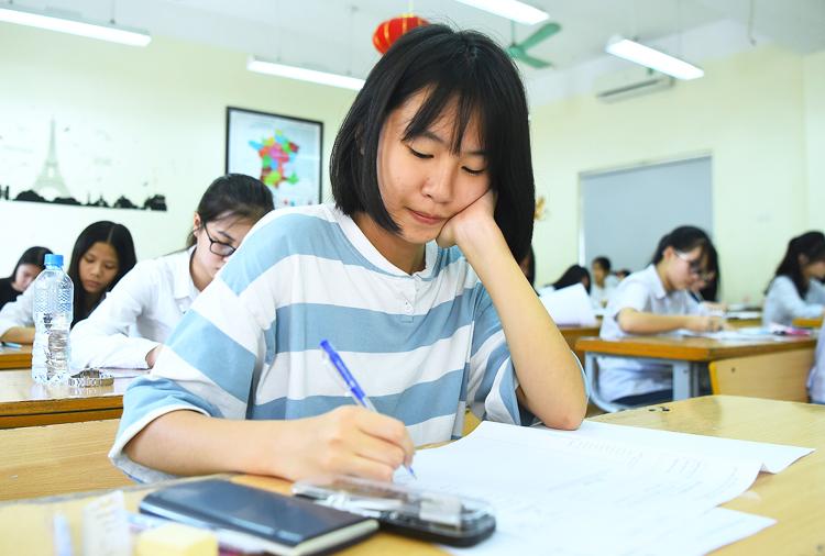 Thí sinh tham dự kỳ thi vào lớp 10 tại Hà Nội năm 2019.Ảnh: Giang Huy.