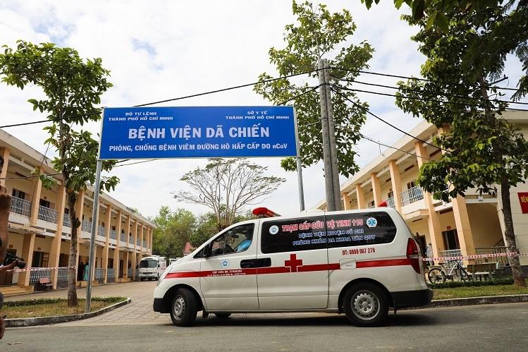 Bệnh viện dã chiến Củ Chi do Sở Y tế TP HCM phối hợp Bộ Tư lệnh thành phố đưa vào hoạt động, cải tạo từ cơ sở vật chất của trường Quân sự thành phố, có nhiệm vụ tiếp nhận và điều trị những bệnh nhân nghi nhiễm nCoV.