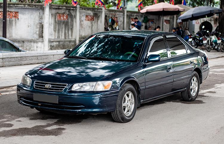 Toyota Camry 1998 - biểu tượng bền bỉ với khách Việt