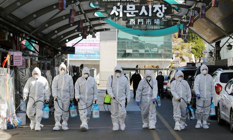 Hàn Quốc cách ly gần 8.000 binh sĩ -