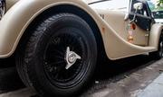 Morgan Plus 4 - xe mui tran khung go hang hiem