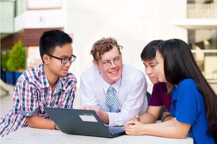 Gần 10.000 người học tiếng Anh trực tuyến ở Yola - ảnh 2