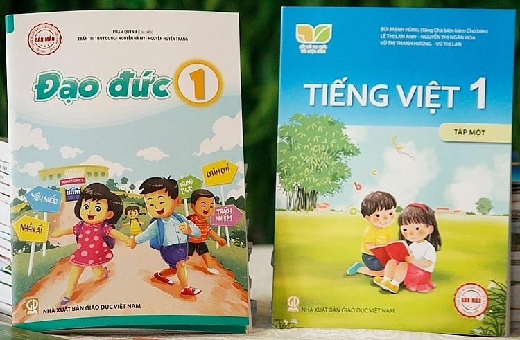 Sách Đạo đức và Tiếng việt lớp 1 của Nhà xuất bản Giáo dục Việt Nam. Ảnh: Thanh Hằng