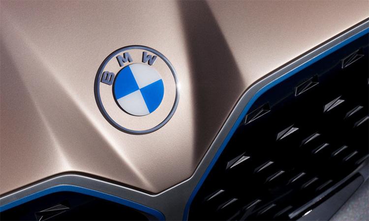 Logo mới của BMW trên mẫu Concept i4. Ảnh: BMW
