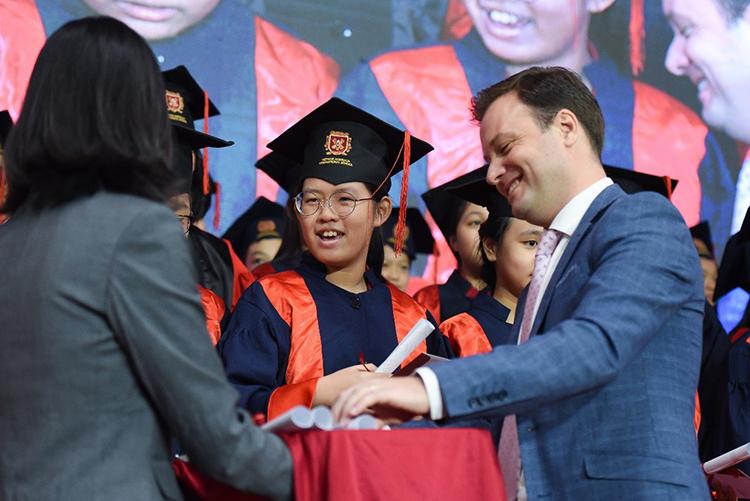 Học sinh VAS đạt nhiều học bổng nhờ chương trình quốc tế Cambridge - ảnh 1