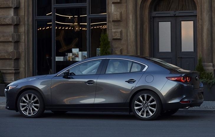 Mazda3 thế hệ mới mang nhiều cải tiến đột phá và hướng đến hình ảnh xe cao cấp.