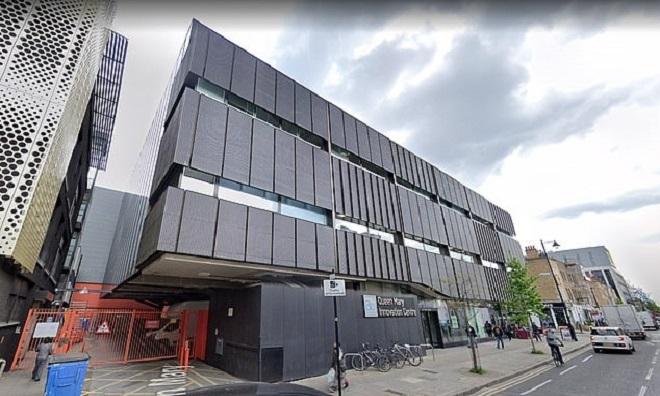 Trung tâm  Queen Mary BioEnterprises Innovationn ở London. Ảnh: Mirror.