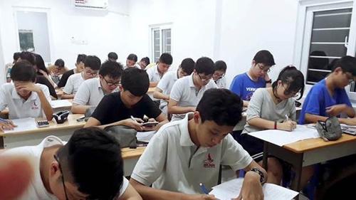 Một lớp học tại Trung tâm Hiền Nhân của thầy Hồ Hoài Khanh