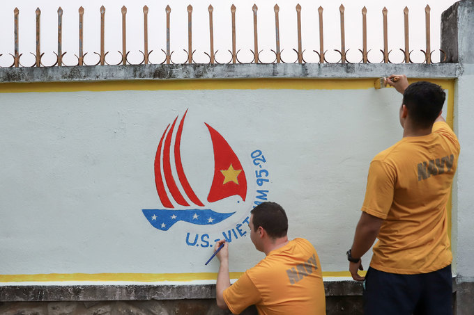 5 ngày của thủy thủ tàu sân bay thăm Đà Nẵng
