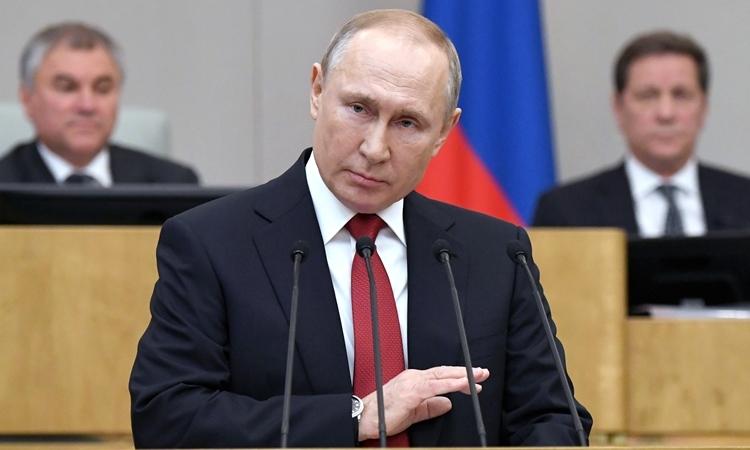 Tổng thống Nga Putin phát biểu trước hạ viện Nga ngày 10/3 ở Moskva. Ảnh: AFP.