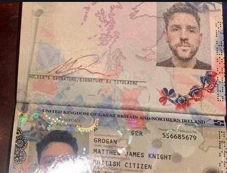 Hộ chiếu của GroGan Manthew James Knight - du khách Anh bất hợp tác với cơ quan chức năng, không cung cấp địa chỉ đang cư ngụ.