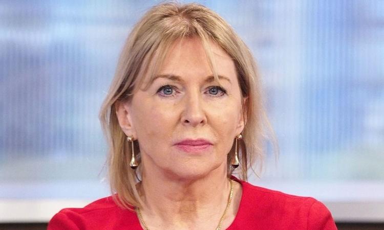Thứ trưởng Y tế Anh Nadine Dorries. Ảnh: Sky News.