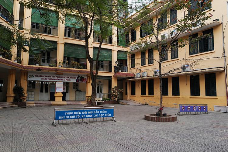 Trường Tiểu học Phan Đình Giót, Hà Nội, vắng vẻ vì học sinh nghỉ phòng Covid-19. Ảnh: Ngọc Thành.