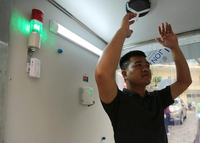 Máy khử khuẩn phòng Covid-19 của Việt Nam chế tạo thế nào?