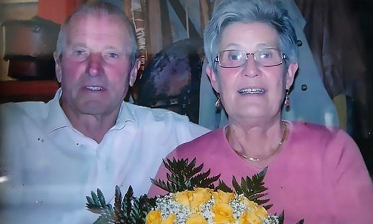 Luigi Carrara (trái) và vợ Severa Belotti. Ảnh: Facebook/ Luca Carrara.