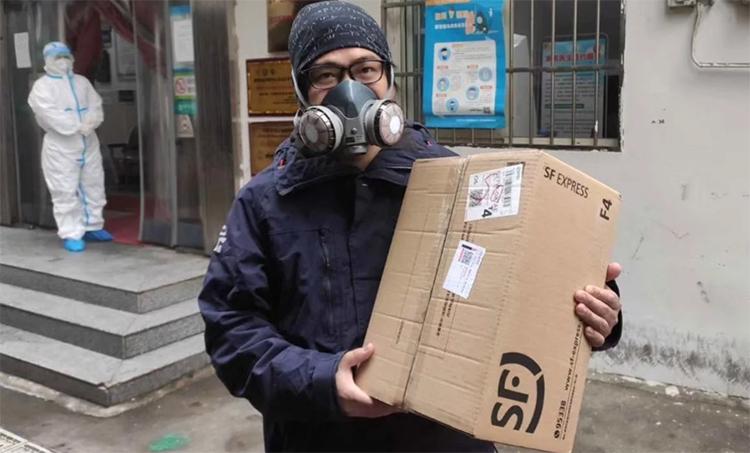 Tian Xi, tình nguyện viên ở Vũ Hán, cho biết những ngày qua anh nhận được ít đề nghị hỗ trợ hơn