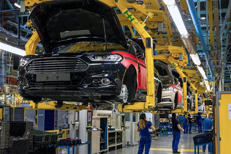 Nhà máy Ford ở Valencia, Tây Ban Nha tạm đóng cửa một tuần vì ba ca dương tính Covid-19. Ảnh: Carscoops.