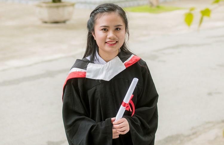 Nguyễn Khánh Linh, 19 tuổi, cựu học sinh trường THPT chuyên Lam Sơn, Thanh Hóa.Ảnh: Thanh Hằng