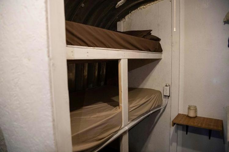 Một chỗ ngủ dưới hầm ở Fortitude Ranch có giá ít nhất 1.000 USD/năm cho gói cơ bản là