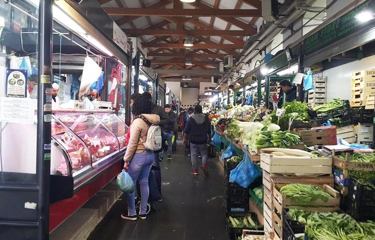 Chợ châu Á tại thủ đô Rome, đầy ắp thực phẩm ngày 10/3. Ảnh: Lý Dật Thụ.