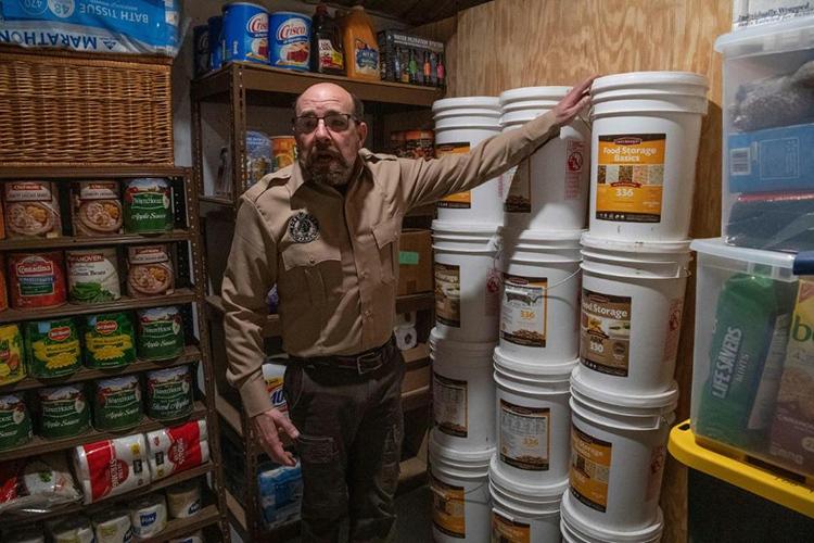 Steve Rene tại kho trữ thực phẩm của Fortitude Ranch ở Mathias, bang West Virginia, Mỹ hôm 13/3. Ảnh: AFP