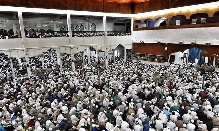Các tín đồ tập trung tại nhà thờ Sri Petaling, ngoại ô Kuala Lumpur, Malaysia cuối tháng trước. Ảnh: Buletin TTKM.