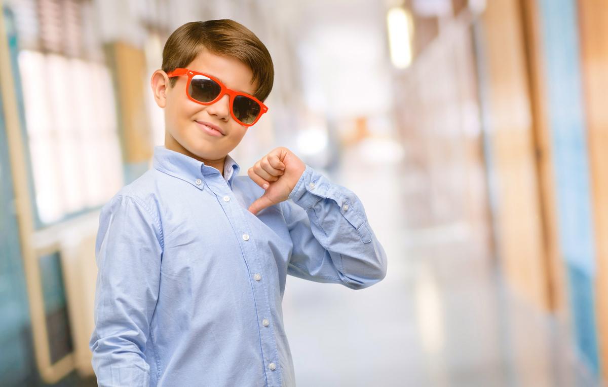 Trẻ kiêu ngạo luôn cho mình là nhất. Ảnh: Shutterstock.