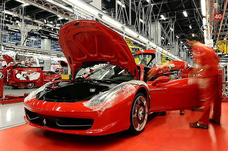 Bên trong nhà máy sản xuất của Ferrari. Ảnh: Autocar
