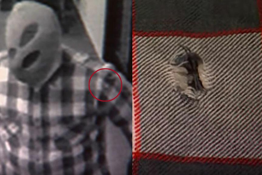 Chấm nhỏ nhạt màu trên áo kẻ cướp được xác định là vết vải bục. Ảnh: Filmrise.