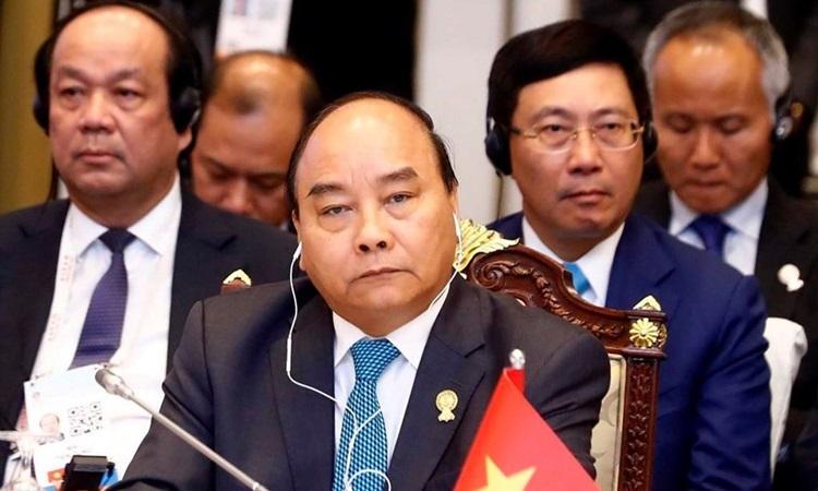 Thủ tướng Nguyễn Xuân Phúc dự phiên họp toàn thể Hội nghị Cấp cao ASEAN tại Bangkok, Thái Lan tháng 6/2019. Ảnh: TTXVN.