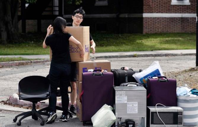 Du học sinh Việt tại Mỹ phải làm gì trong đại dịch?