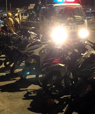 Hơn 150 quái xế gây náo loạn trong đêm - ảnh 1