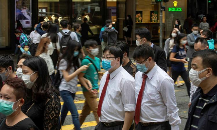 Hong Kong nuot 'thuoc dang' vi chu quan voi Covid-19
