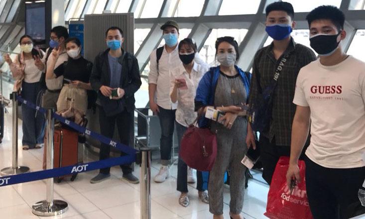 Các công dân Việt Nam kẹt ở Bangkok, Thái Lan về nước hôm nay. Ảnh: VOV.