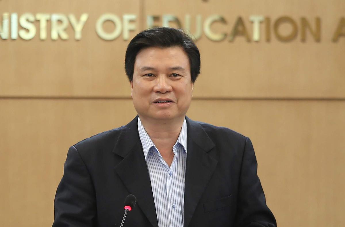 Thứ trưởng Giáo dục và Đào tạo Nguyễn Hữu Độ phát biểu tại cuộc họp ngày 25/3. Ảnh: MOET.