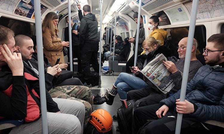 Cứ hai ngày, người chết vì nCoV ở London, Madrid tăng gấp đôi - ảnh 1