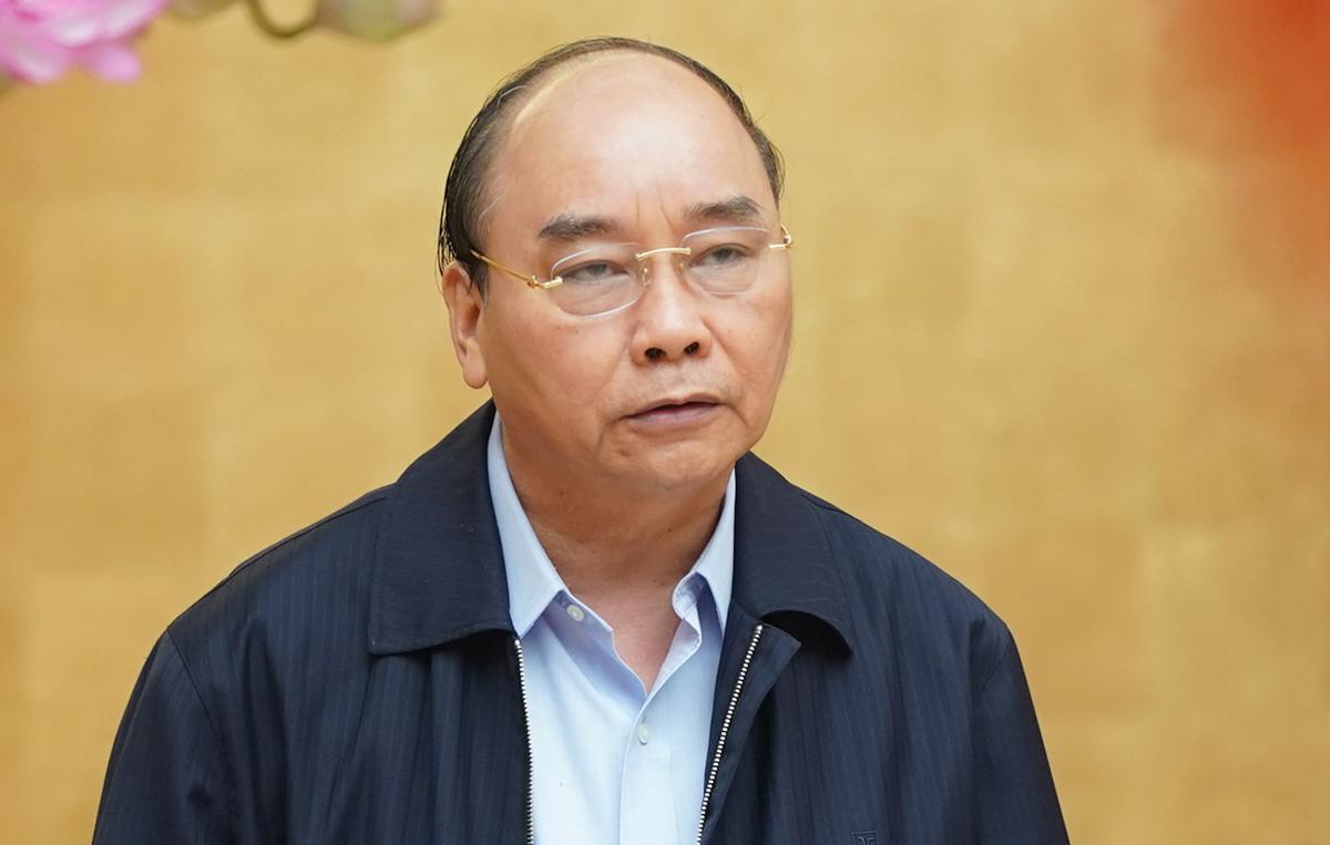 Thủ tướng Nguyễn Xuân Phúc phát biểu tại cuộc họp chiều 30/3. Ảnh: VGP