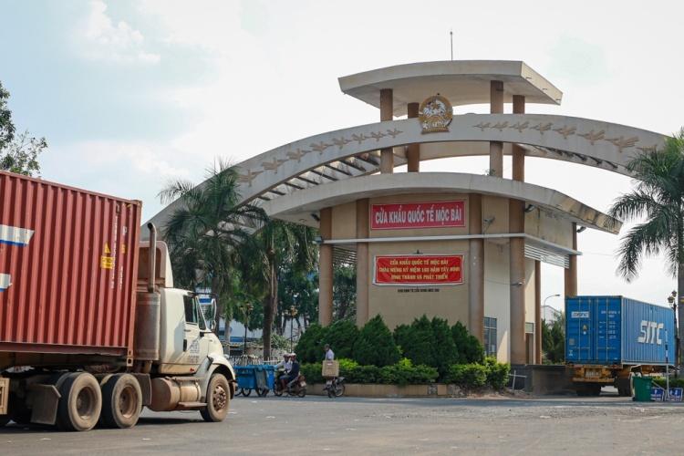 Cửa khẩu Mộc Bài giữa Việt Nam và Campuchia. Ảnh: Thành Nguyễn.